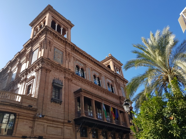 Bâtiment administratif de Séville - © Thia