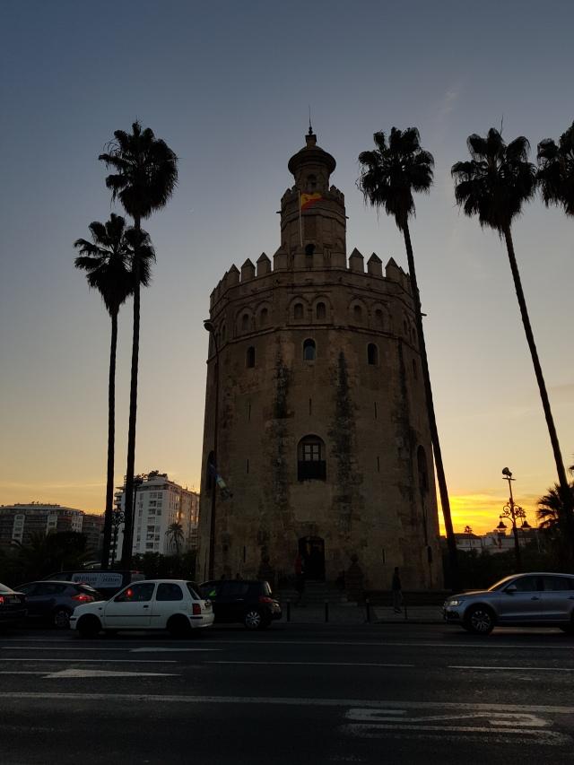 Coucher de soleil sur la Torre del Oro - © Thia